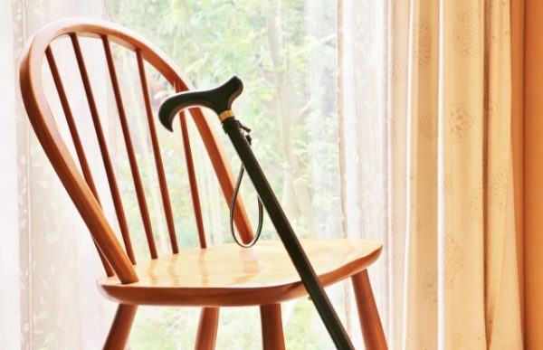 老後の最低日常生活費とゆとりある老後生活費