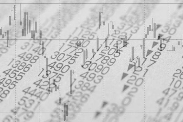 投資信託手数料が高いか安いかの目安と平均